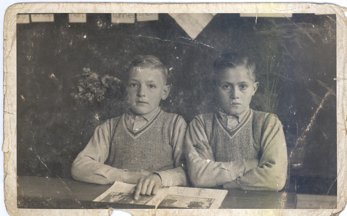 Petronella de Jong (Nel) Marinus de Jong Wil en Rinus de Jong: www.uwstamboomonline.nl/passie/sites/index.php?mid=12891&kid=140...
